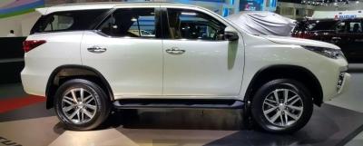 Фото диска Toyota FRT2018 серый с полировкой