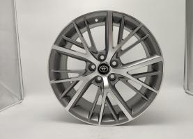 Фото диска Toyota Camstyle серый с полировкой